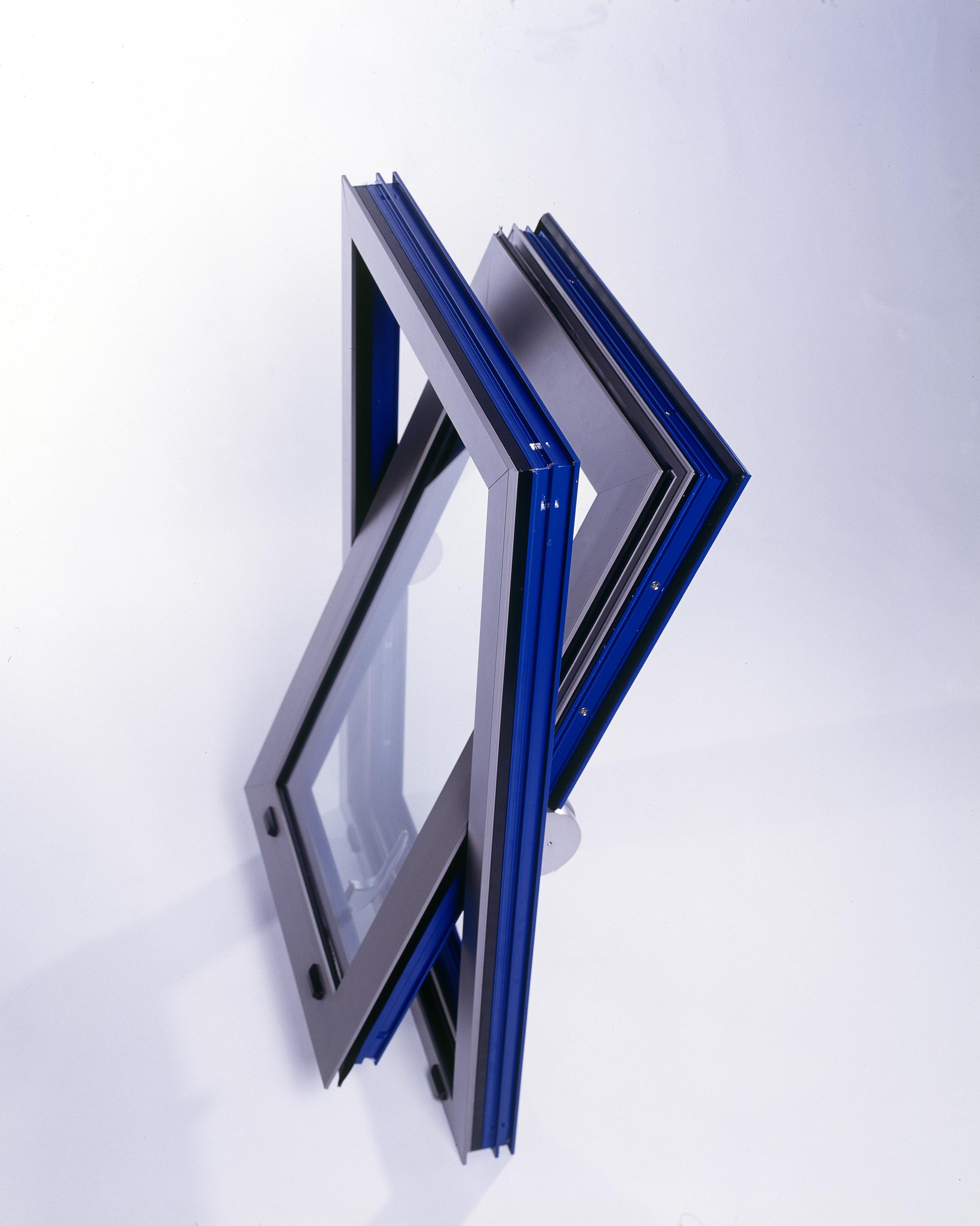 Now with BSi Kite-mark: Comar 5Pi Aluminium Windows Security & Design