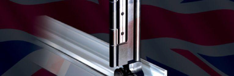 FIT Show: Launching Comar 7P.i FSDX The Next Generation of Aluminium Folding/Sliding Bi-Fold on Comar Stand E30